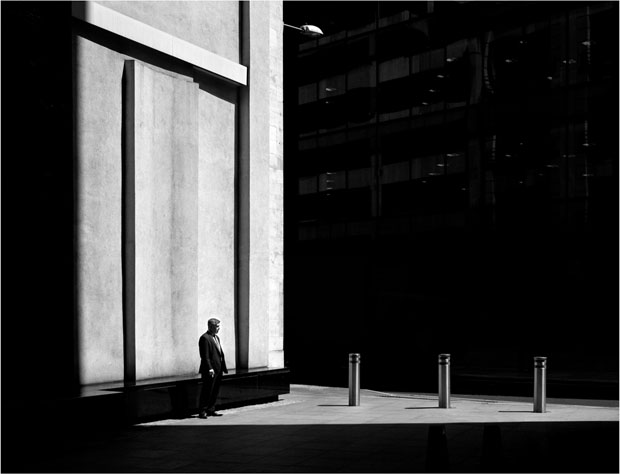 Photographer Uses Light and Shadows to Frame Human Forms in the City manonearth 5