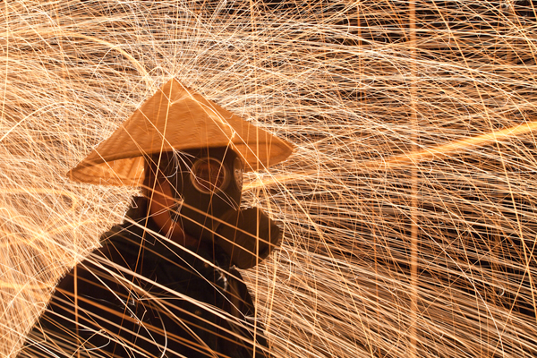 10 Amazing Light Painting Photographers You Should Start Following Right Now 32