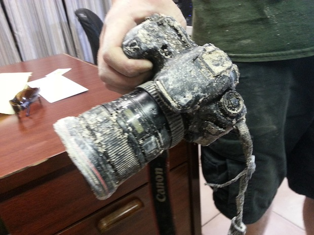 Photog Has DSLR Snatched by Alligator, Only to Have it Returned 8 Months Later aligatorcam1