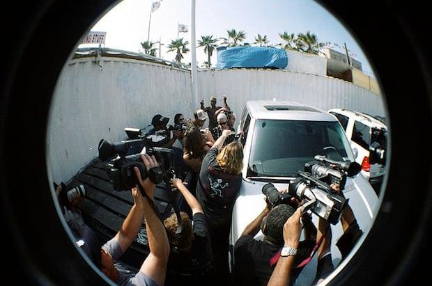NPPA Says New California Anti Paparazzi Bill Threatens First Amendment Rights antipap2