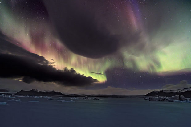 Beautiful Photos of Auroras Shimmering Over Iceland by Stéphane Vetter auroraphoto 1