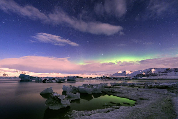 Beautiful Photos of Auroras Shimmering Over Iceland by Stéphane Vetter auroraphoto 13