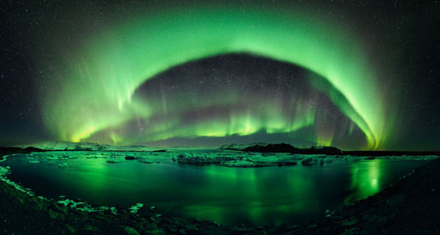 Beautiful Photos of Auroras Shimmering Over Iceland by Stéphane Vetter auroraphoto 17