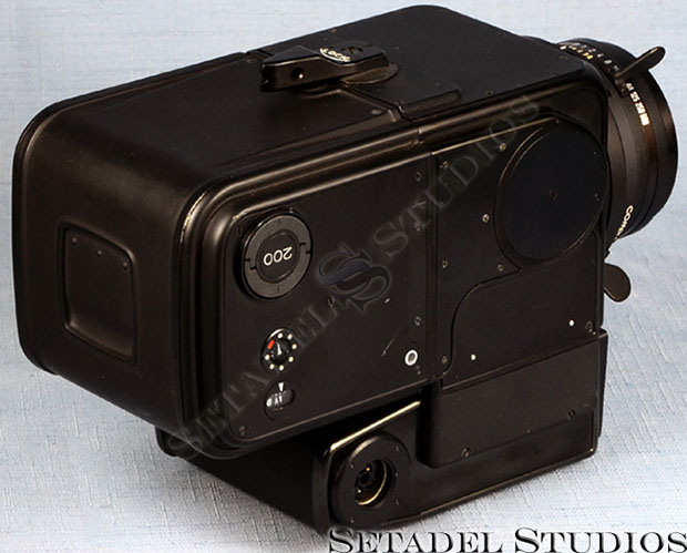 Want to Own Your Own NASA Hasselblad Moon Camera? mooncam2