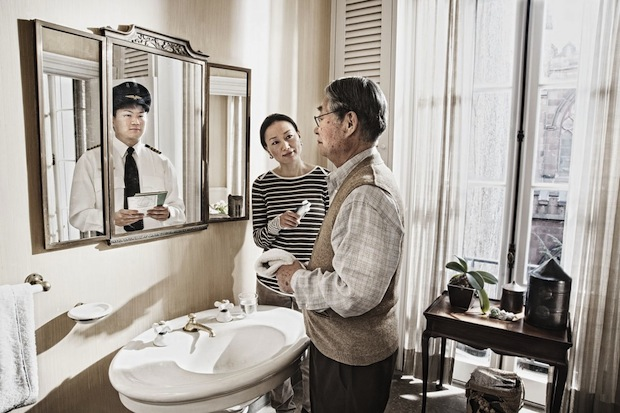 Reflections: Portraits of the Elderly Seeing Their Younger Selves reflections8