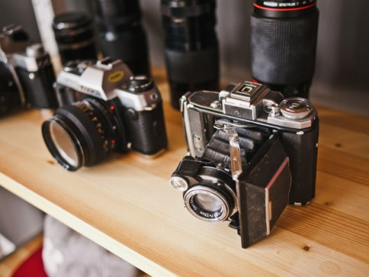 photographer-analog-camera-cameras-teleobjective-2