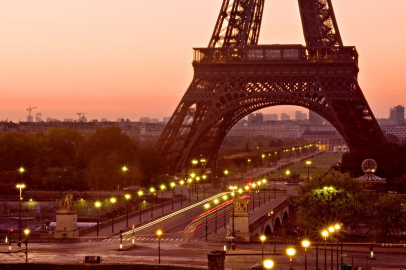Pont d'Iéna and the Eiffel Tower  | Aperture: f32  |  Shutter Speed: 8 sec  |  ISO: 100  |  Focal Length: 70 mm  | Lens: Sigma 24-70