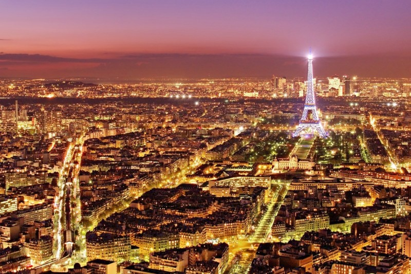 Paris Cityscape at Night  | Aperture: f10  |  Shutter Speed: 13 sec  |  ISO: 100  |  Focal Length: 32 mm  | Lens: Sigma 24-70