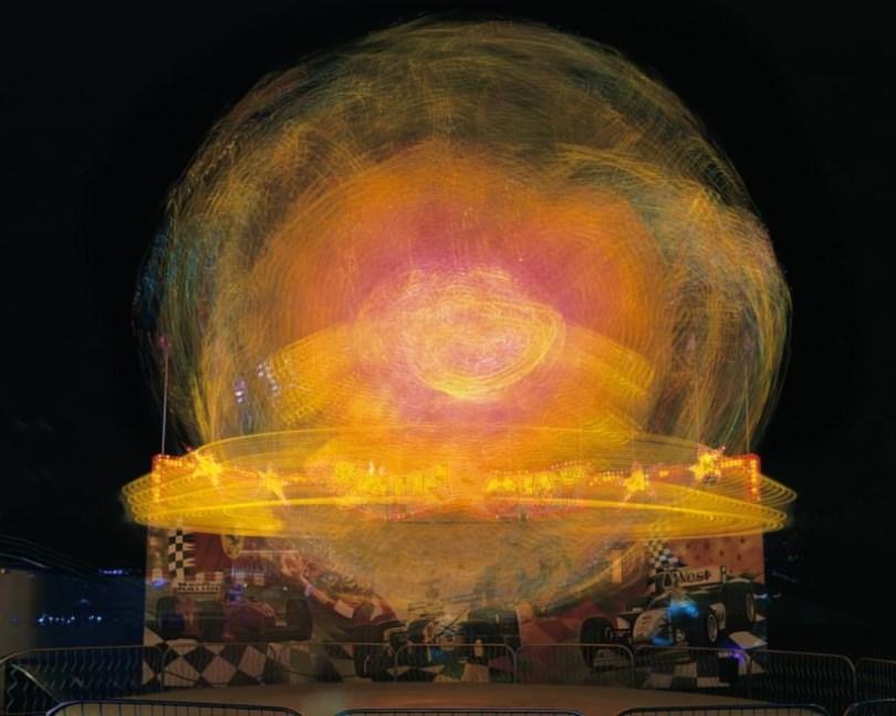 852 13 Vail SpinOutWEB20000 800x640 - Fotos sensacionais tiradas em parque de diversões utilizando longa exposição