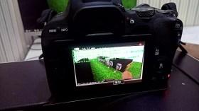 Questo ragazzo ha un server Minecraft in esecuzione sulla sua DSLR Canon