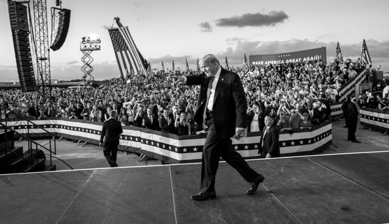 Black and White National Geographic Great Gift Harv Greenberg Just One Look Back at 2017 ~ Fine Art