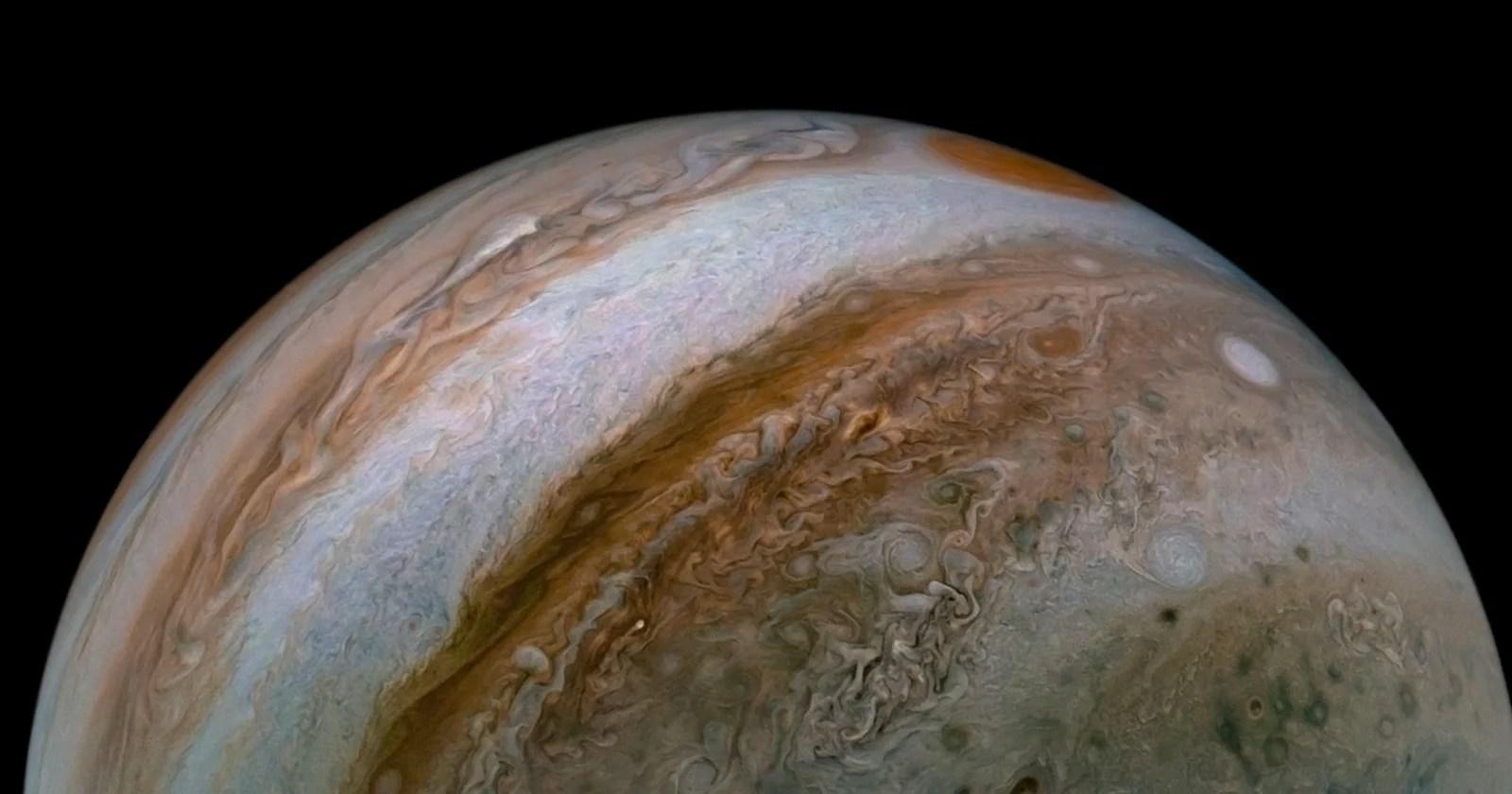 Astronomo dilettante scopre la luna nuova di Giove in una foto del 2003