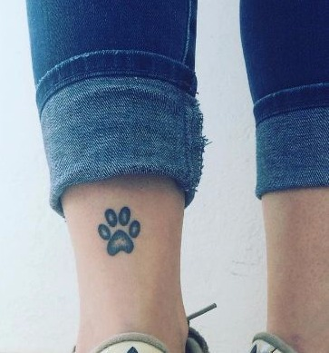 Pata de cachorro tatuagem na batata