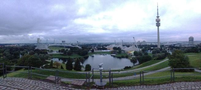 Panorama ของ Olympiapark ตอนนั้นใกล้จะมืดแล้ว ฟ้าก็ปืด เลยถ่ายมาได้แค่นี้แหละ 55
