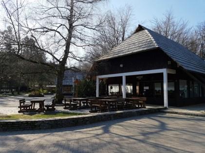 ร้านอาหารตรงทางเข้าอุทยาน