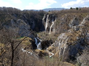 ในที่สุดก็กลับมายังวิวน้ำตก Great Waterfall อีกครั้ง