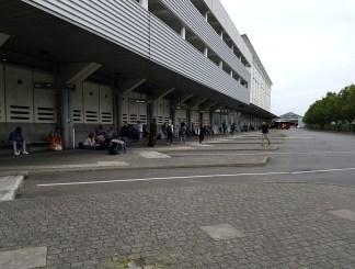 ที่จอดรถบัสทางไกลในเมือง Rennes อยู่ตรงข้างๆสถานีรถไฟหลัก