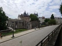 วิวของปราสาทจากด้านบน Cours Saint-Pierre