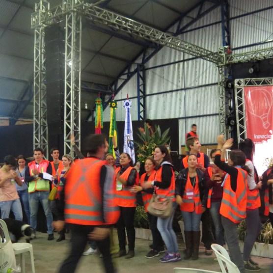 Comemoração da organização após o fim da assembleia