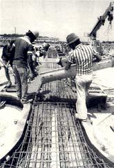 Concretagem das peças pré-moldadas dos CIEPs