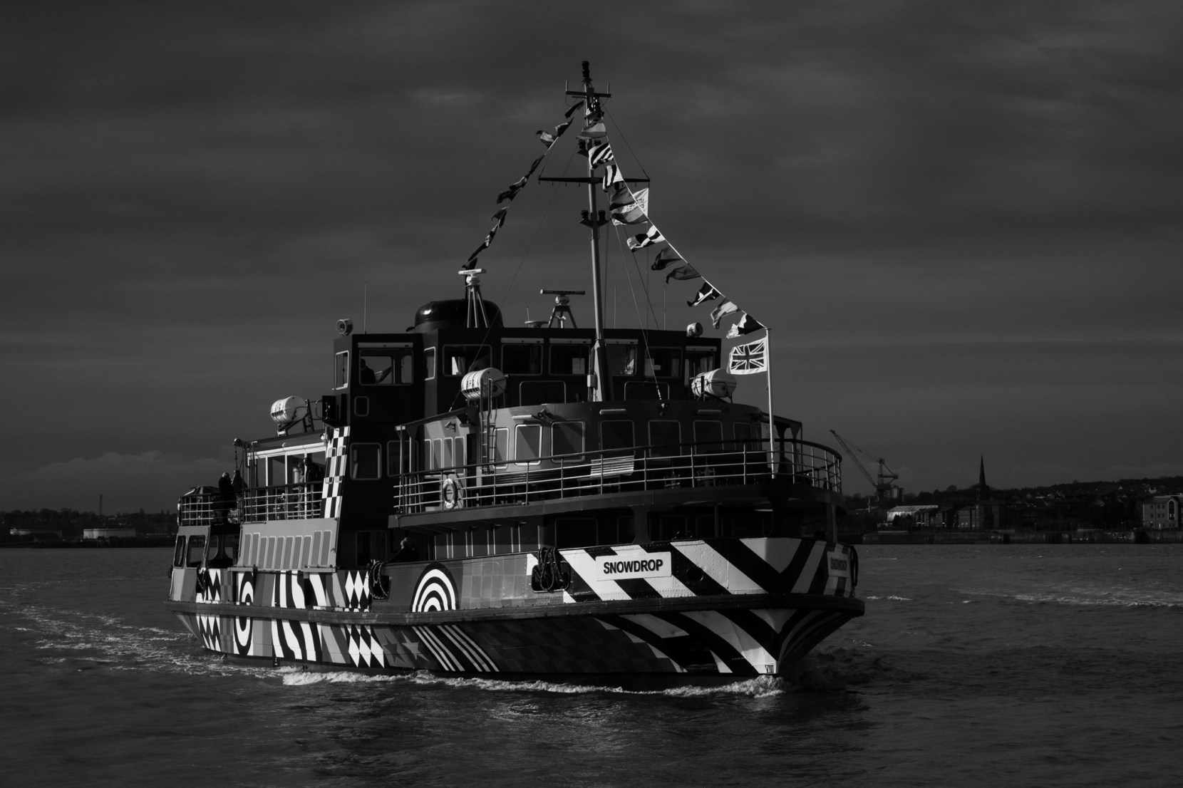 dazzle-ferry-liverpool-3018-3