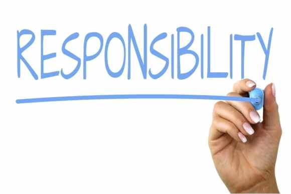 """Eine Tafel, wo das Wort """"Responsibility"""" mit einem Marker geschrieben wird. Es dient als Aufhänger für meinen Artikel """"Zuschauer oder Macher""""? Wieviel Verantwortung kann/soll ich übernehmen?"""
