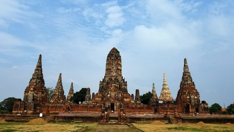 Southeast Asia (11/13) – Ayutthaya Road Trip on a Full Stomach