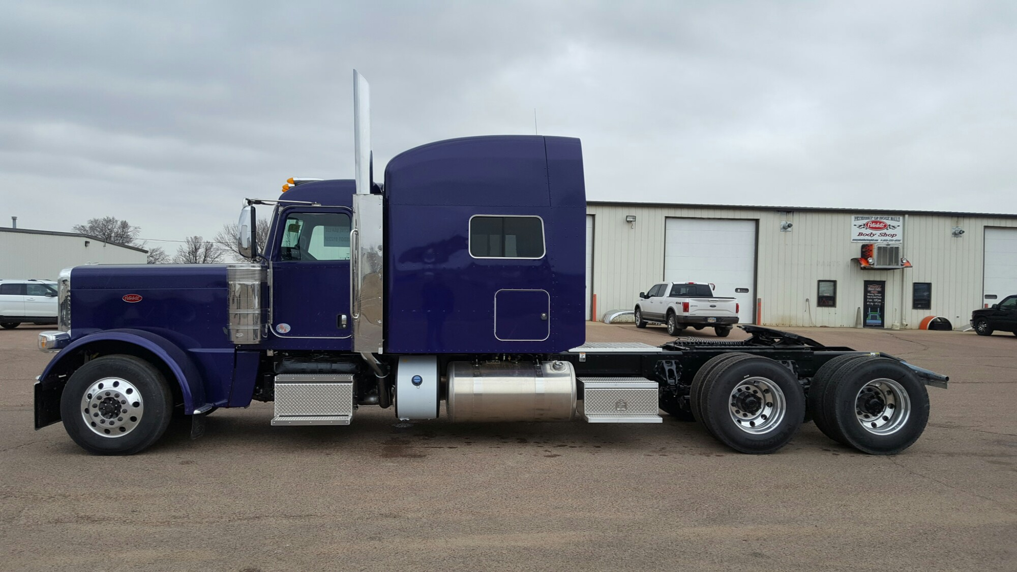 Wallpaper Stores In Sioux Falls Sd 2018 Ultra Violet 389 Just In Peterbilt Of Sioux Falls