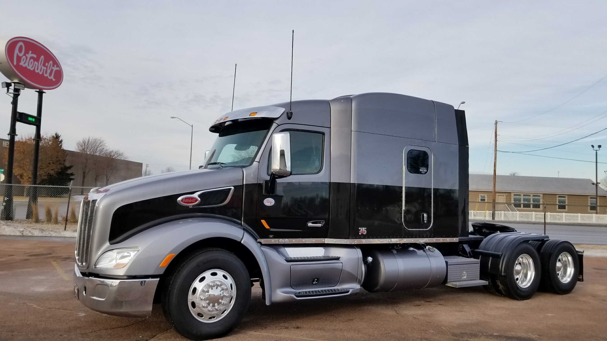 Wallpaper Stores In Sioux Falls Sd 75th Anniversary Custom 579 For Sale Peterbilt Of Sioux