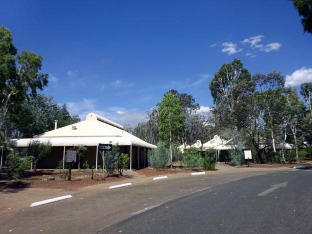 outback hotel uluru