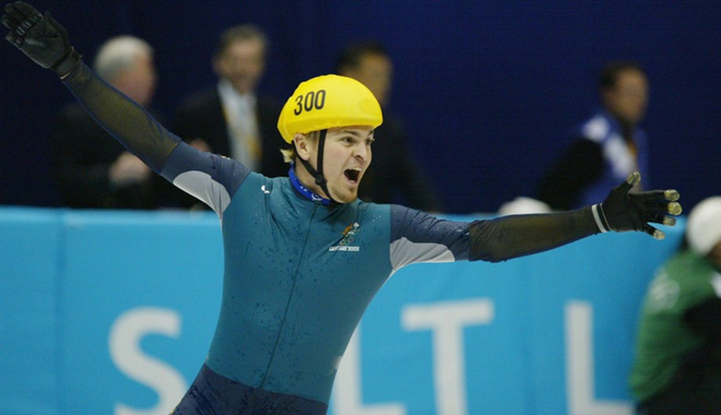 Steven Bradbury wins gold at the 2002 Winter Olympics