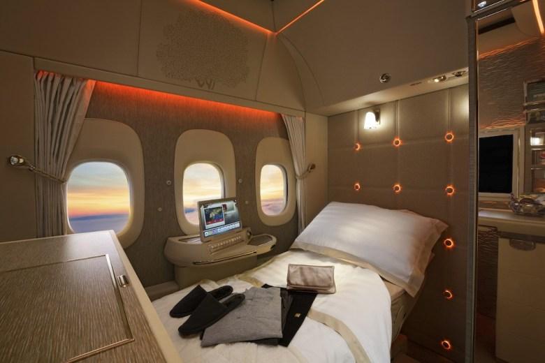 fremtidens luftfart hos emiratesEmirates First Class pysjamas