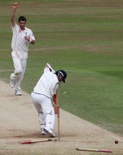 James Anderson bowls Sachin Tendulkar for 1 - England v India, 3rd Test, The Oval, August 12, 2007
