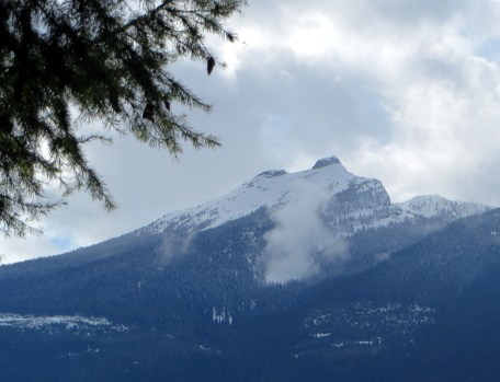 Saddle Mountain still Covered in Snow