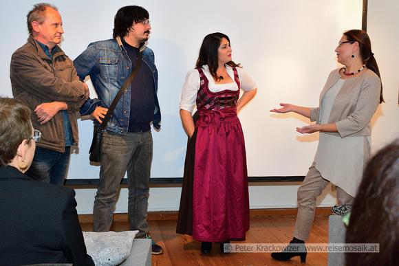 Regisseur Hermann Peseckas (Kamera, Schnitt), Djordje Ĉenić (Ton, Interviews), Pupak Bodjo und Ingrid Weydemann