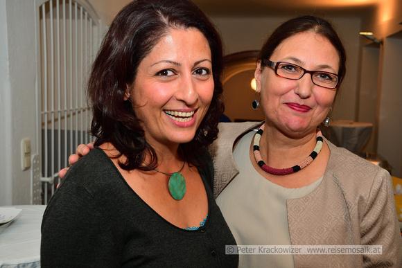 Baharak Pöll (links) und Ingrid Weydemann