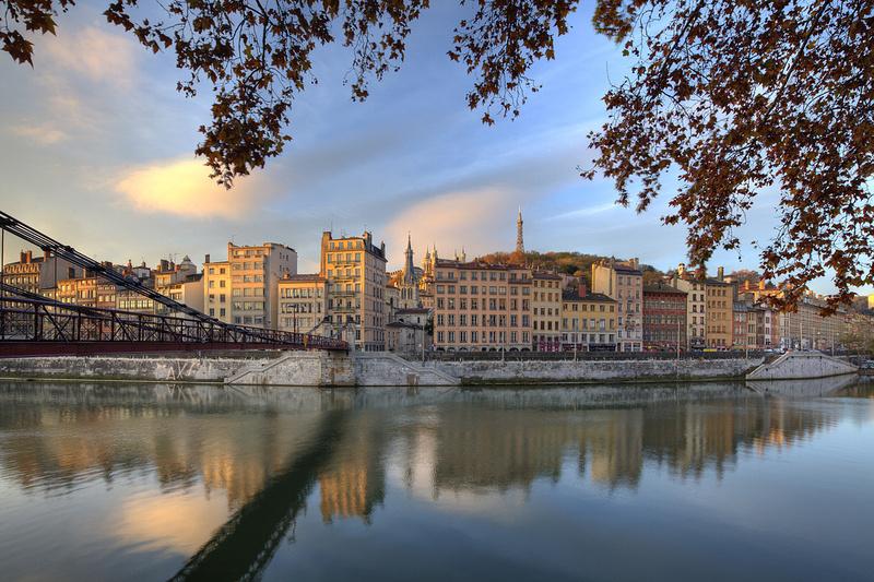 'Vieux Lyon' (Altstadt) und 'Passerelle Saint-Vincent'  (© Tristan Deschamps, Atout France, Wien)
