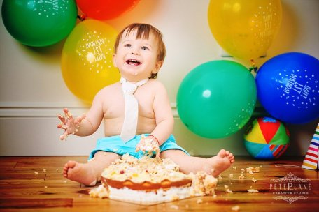 Cake Smash photographer London Essex Hertfordshire Oxford Hillingdon