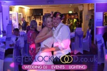 bride-and-groom-in-Brookdale-golf-club