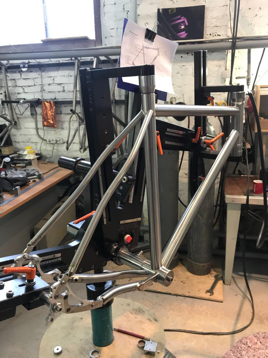 updates from Russia: Triton titanium hravel rig...
