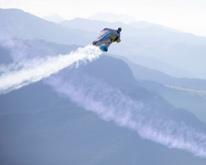 Wingsuitpilot Peter Salzmann, Picture Timeline Production