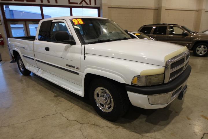 1998 Dodge Ram White