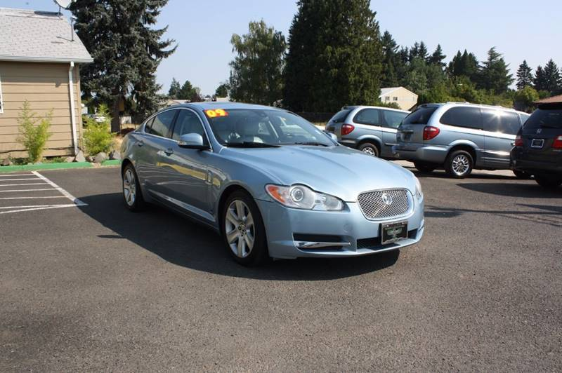 2009 Jaguar XF Luxury 4dr Sedan