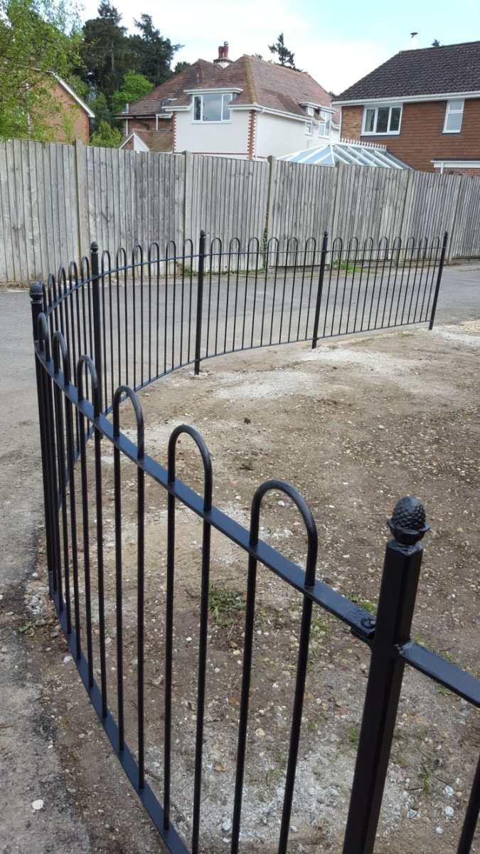 Bowtop fencing