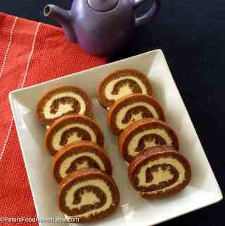 Pumpkin Roll with Vanilla Bean Cream Cheese