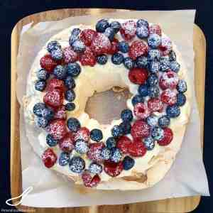 Christmas Pavlova Wreath Recipe