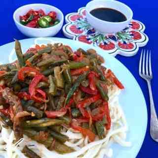 Lagman Recipe – Uyghur Noodle Stir Fry (Лагман)