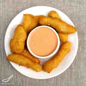 Sriracha Mayo Recipe with chicken nuggets
