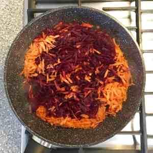 Classic Russian Beet Borscht Recipe (Борщ) Saute