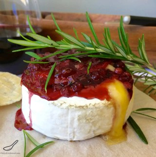 Easy Baked Brie with Lingonberry (брусника)